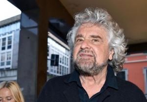 Beppe Grillo contro l'omeopatia: appello ai farmacisti