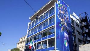 Nuovo look per la sede FIGC: gli Azzurri da record e le #RagazzeMondiali