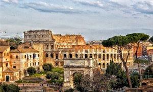 L'arena di Nimes al posto del Colosseo: l'errore di Virginia Raggi