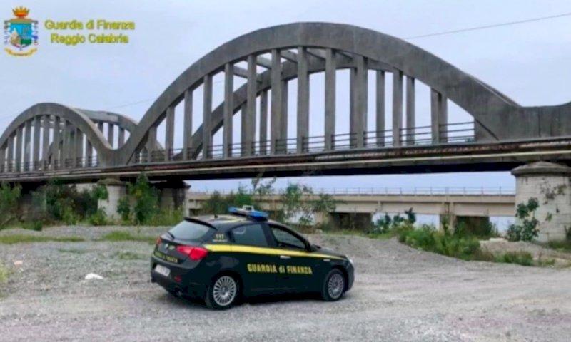 Sequestrato un ponte a tre arcate nel reggino: è pericolante