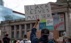 Ohio, una ragazza afroamericana uccisa da un poliziotto durante il processo a Chauvin