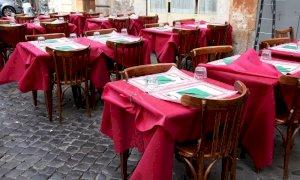 L'Italia riparte. A Roma riaprono i locali ma l'attenzione resta alta