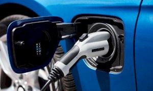 Il futuro dell'auto è elettrico, boom di vendite entro il 2030