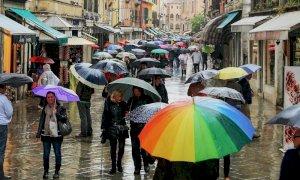 La primavera fa i capricci, torna il maltempo sull'Italia: temporali e temperature in calo