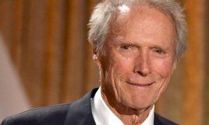Clint Eastwood compie 91 anni, buon compleanno al regista controcorrente
