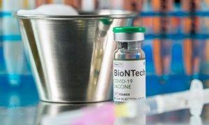 Aifa e Ue: approvato vaccino Pfizer tra i 12 e 15 anni