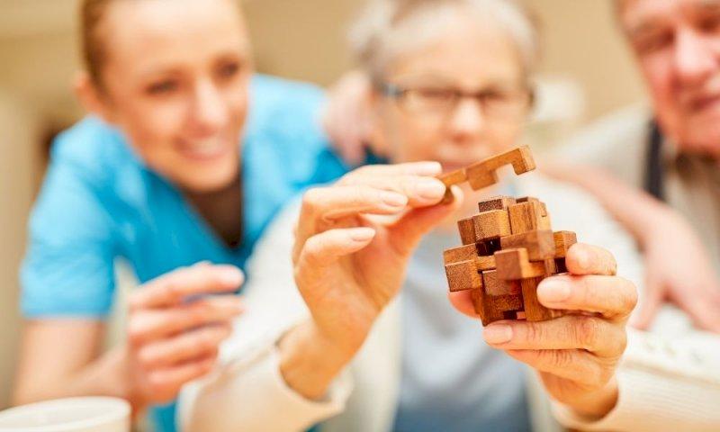 Alzheimer: arriva il primo farmaco approvato dopo 20 anni di ricerca