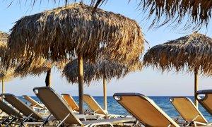 Prenotare ombrelloni e lettini evitando le file al mare: ora ci pensa un'app