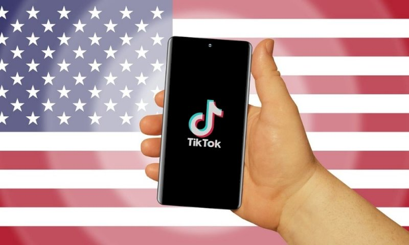 Biden revoca il divieto di Trump sulle app cinesi Tiktok e Wechat