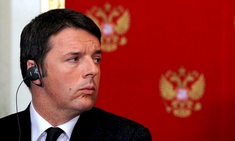 Indagine su Renzi per finanziamento illecito, l'ex premier: «Non mi fanno paura»
