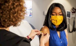 Vaccini Pfizer, lo studio sull'efficacia della terza dose contro la Variante Delta