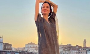 Angelina Jolie incanta Venezia, la diva nei luoghi dove girò