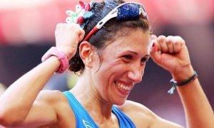 Antonella Palmisano, la marciatrice con la testa in fiore è medaglia d'oro