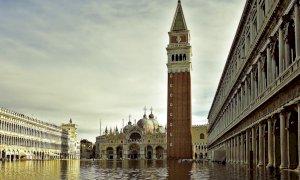 Venezia: al via i lavori per costruire una barriera di vetro contro l'acqua alta nella Basilica di San Marco